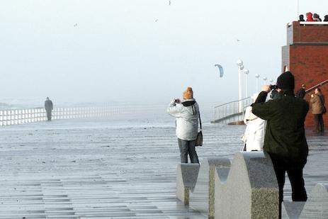 (Foto-) Opfer bei Sturmflut über Sylt